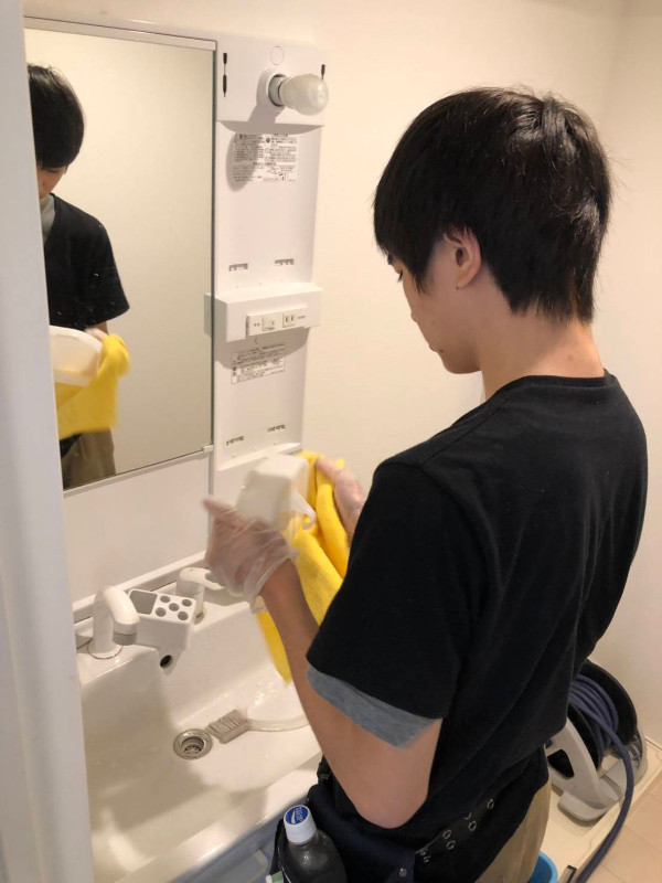 KFY内外美装洗面所の清掃